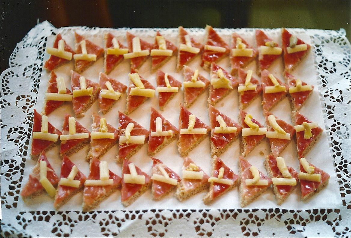 Pica pica y entrantes jos ram rez alfonso for Canape de jamon y queso